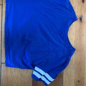 Blue cropped tshirt
